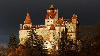 Hiking and Searching for Dracula Tour